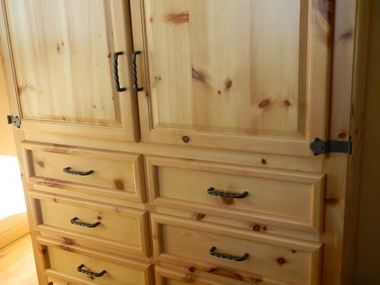 Delicieux Rustic Pine Armoire