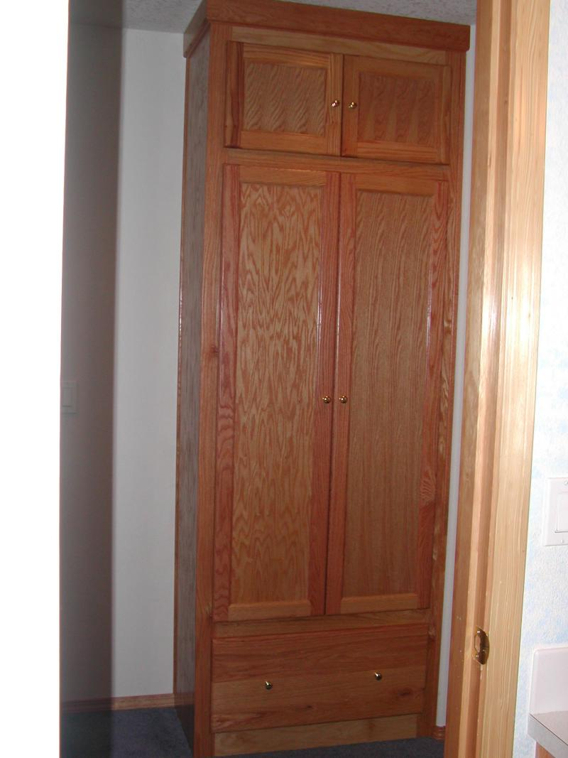 Oak Built In Linen Closet